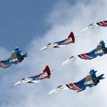 Показательные выступления пилотажных групп «Русские витязи» пройдут над выставочным комплексом «Ленэкспо»