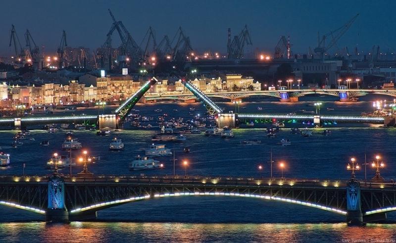 Откуда лучше наблюдать разведение мостов