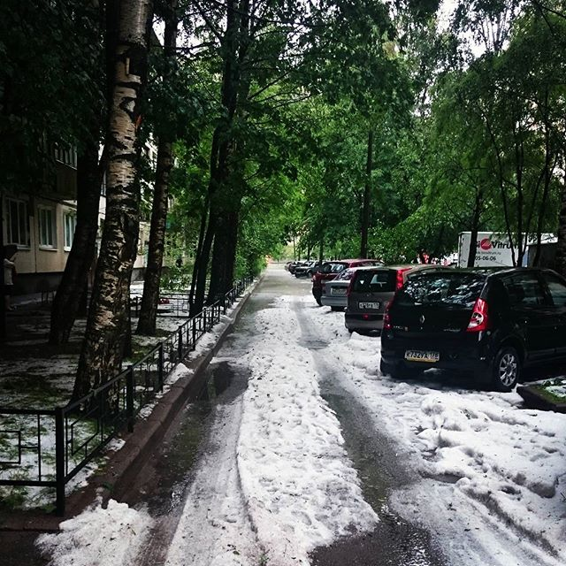 снег в июле 2015 в Петербурге